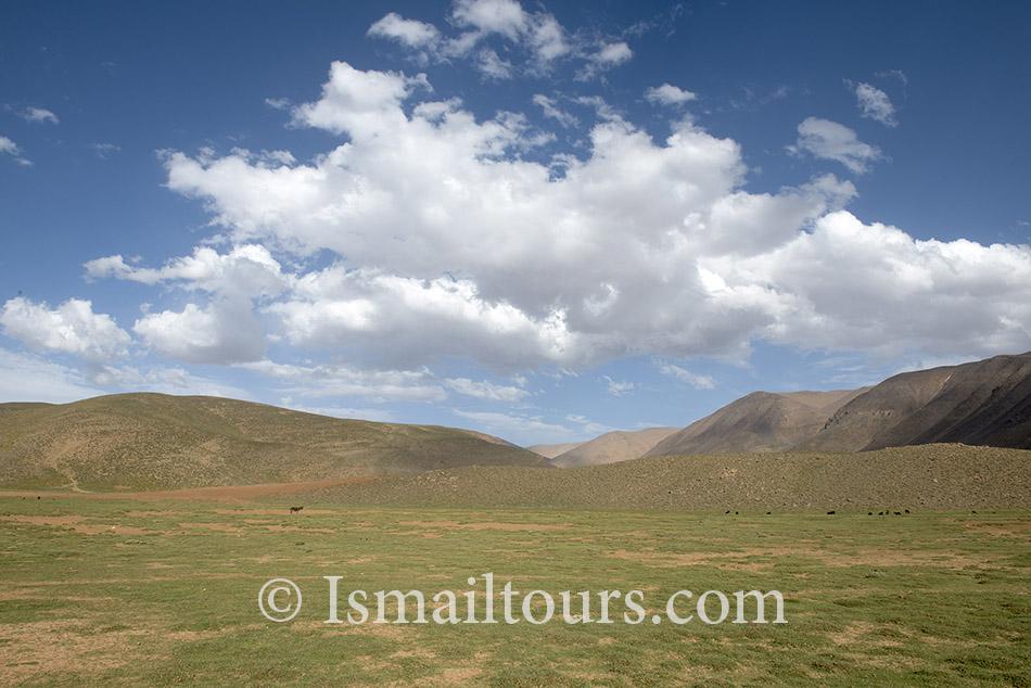 Marokko, Izoughar, 20140530. Landschap, kaal in de hoge atlas. Landscape in the High Atlas, Naamsvermelding verplicht; Foto: Sabine Joosten/Hollandse Hoogte
