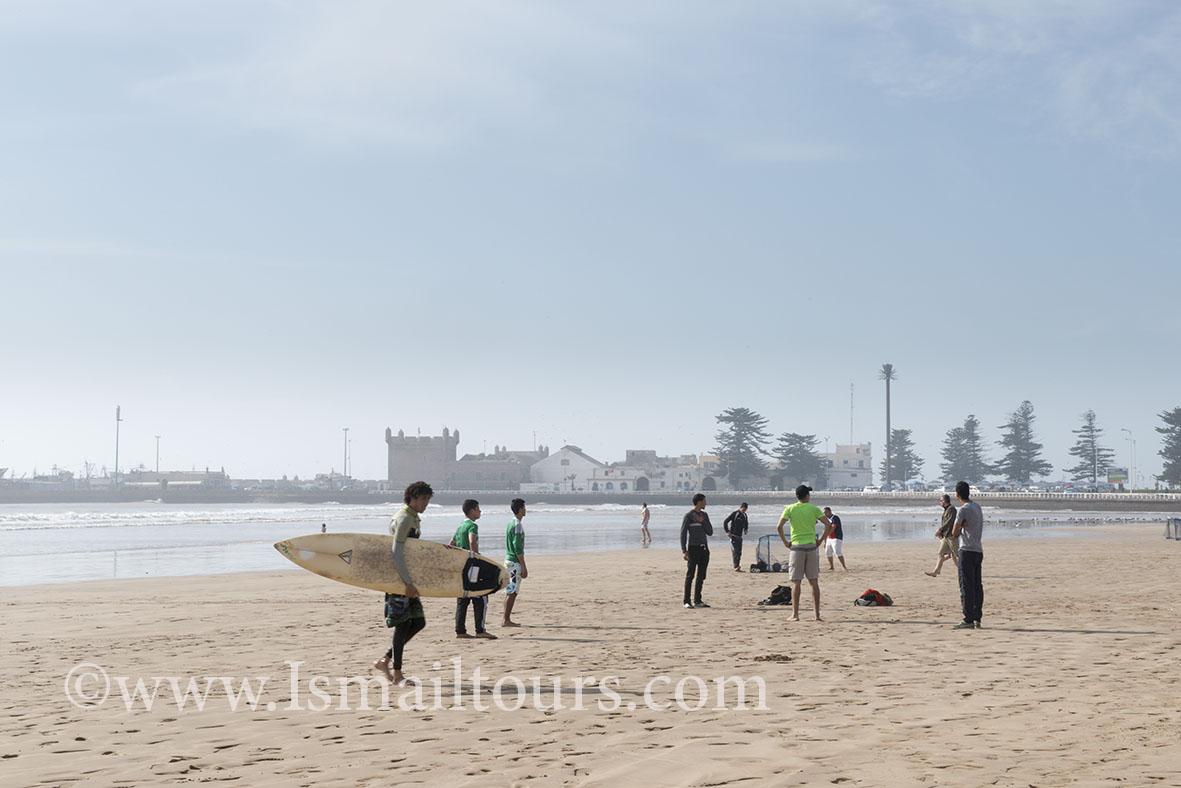Marokko, Essaouira 20150304. Marokkaanse jongens voetballen op het strand. Boys playing soccer at the beach. Naamsvermelding verplicht; Foto ; Sabine Joosten/Hollandse Hoogte